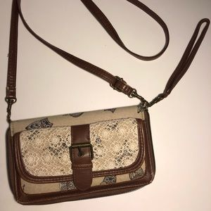 Claire's Owl-Printed Wristlet